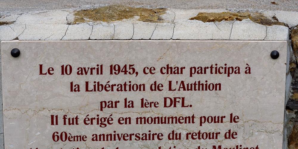 Moulinet, monumento carro de combate