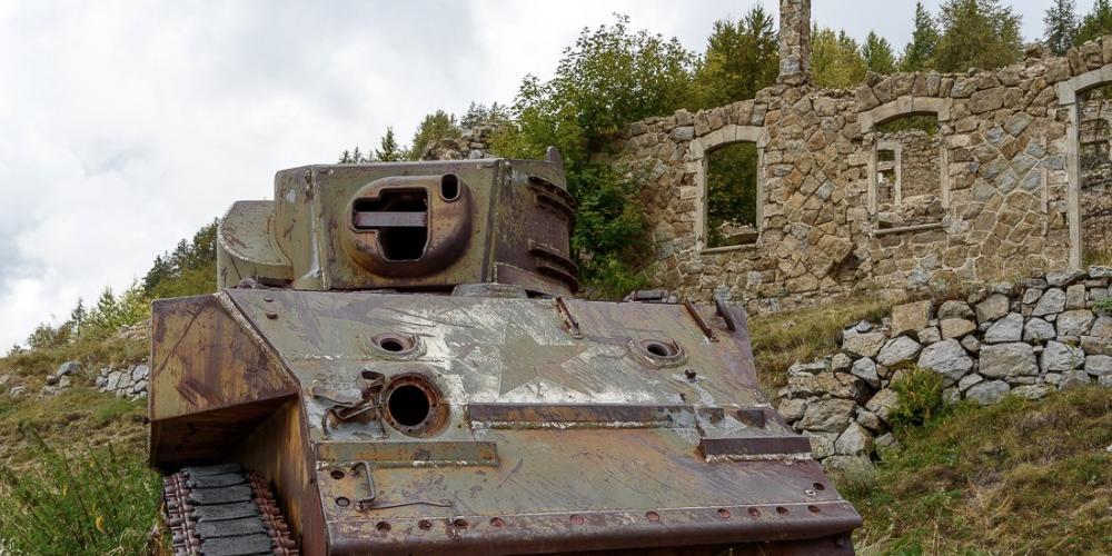Ruines de Cabanes Vieilles  Moulinet, Alpes